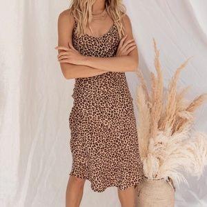 Audrey 3+1 - Run Wild Leopard Midi Dress Size M